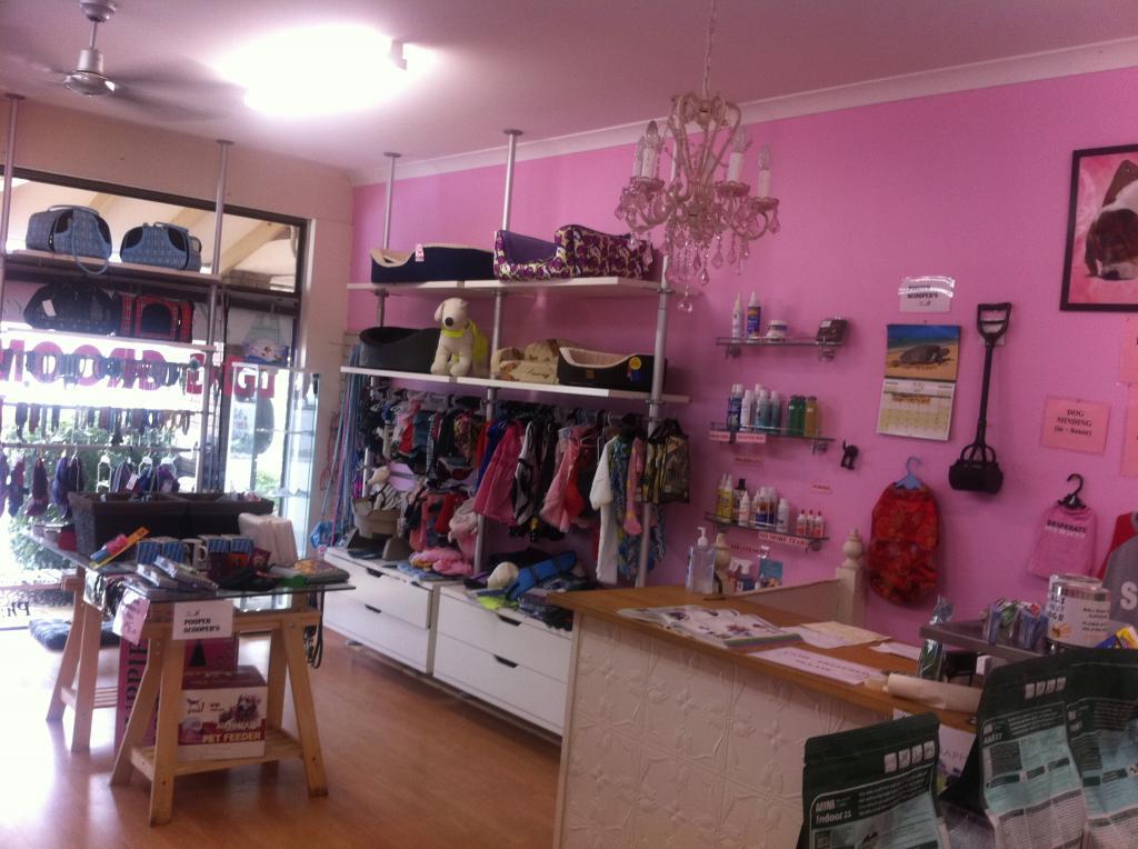 Paris Pooch Store