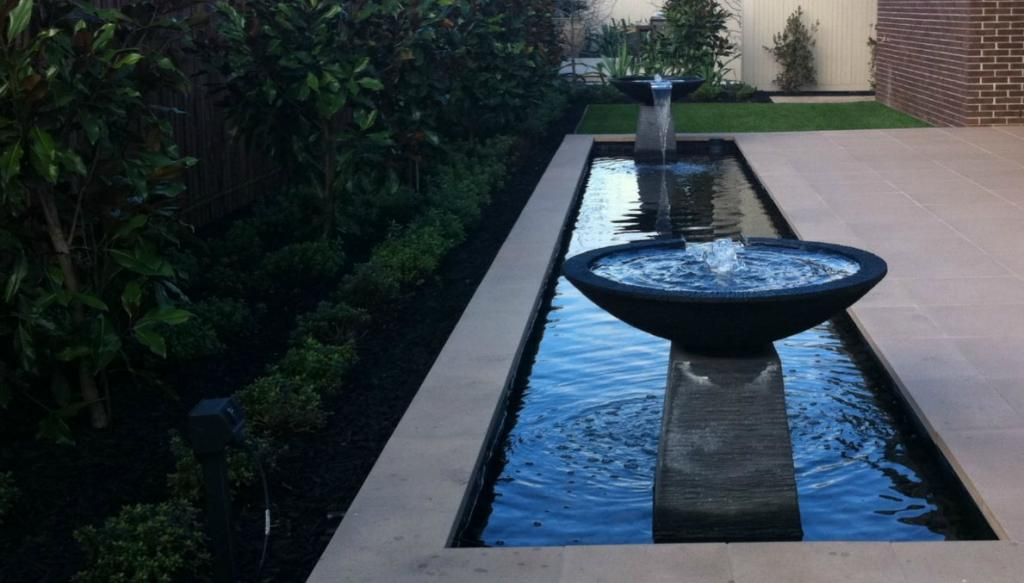 Top 10 water feature designs for Pool design water feature