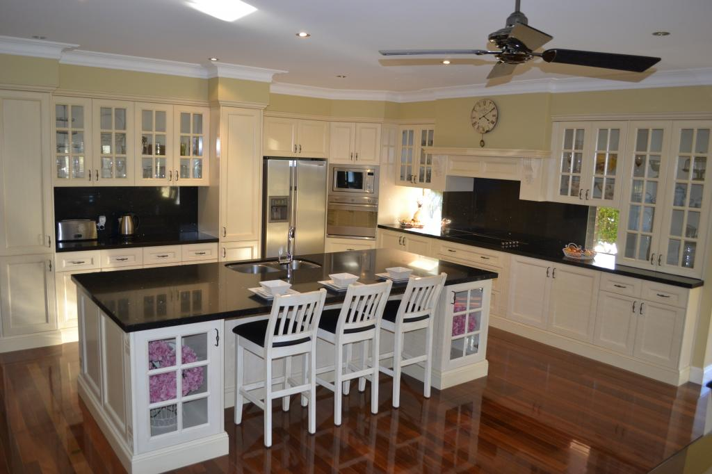 Glass splashbacks kitchen islands french provincial for Kitchen ideas australia