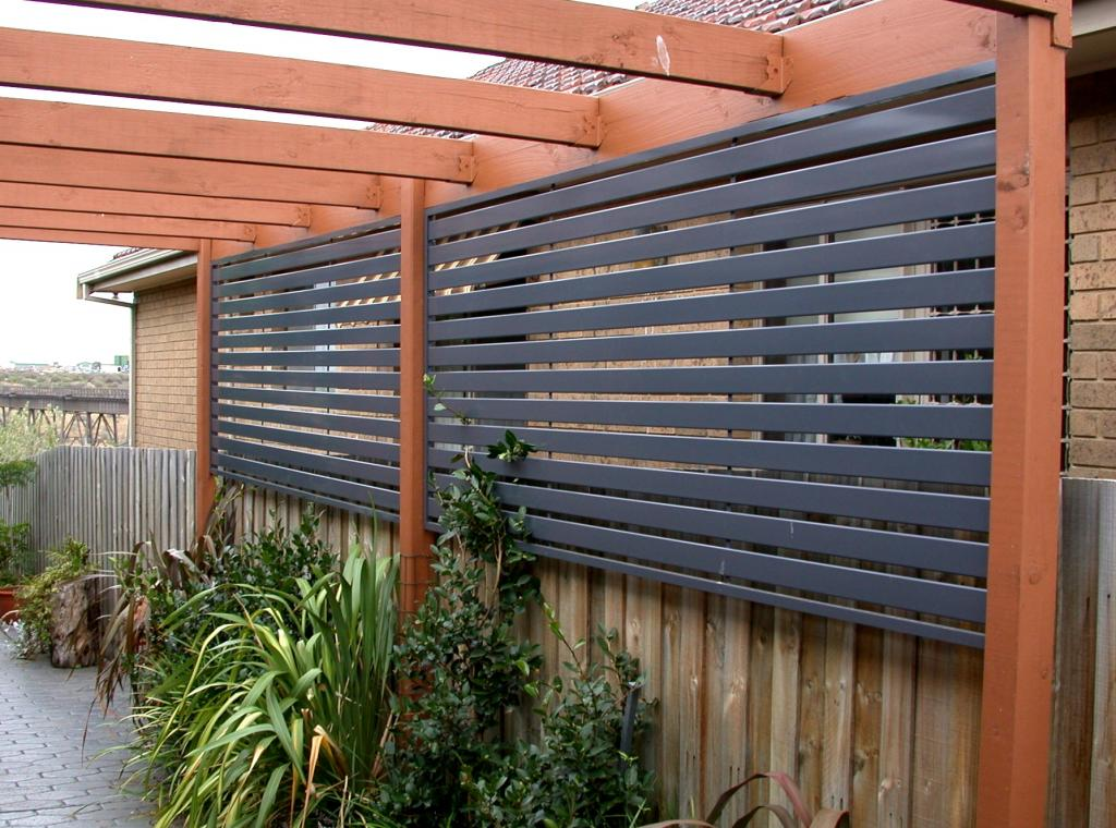 Installing an outdoor privacy screen for Wood screen fence