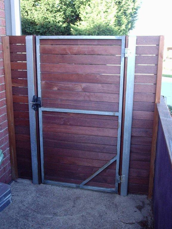 Horizontal Style Gates