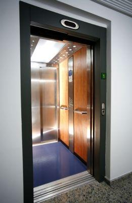 Fast 4 avanti lifts elevators easy living home elevators for Easy living elevators