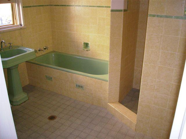 Find A Bathroom Resurfacer Near Me Get 3 Bathroom