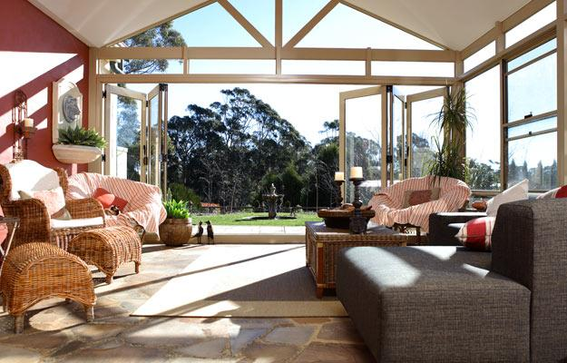 Glass rooms sun rooms conservatories ian cubitts for Glass rooms conservatories