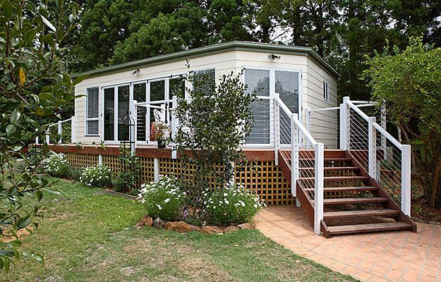 Granny flats garden studios ian cubitts classic home for Granny flat above garage