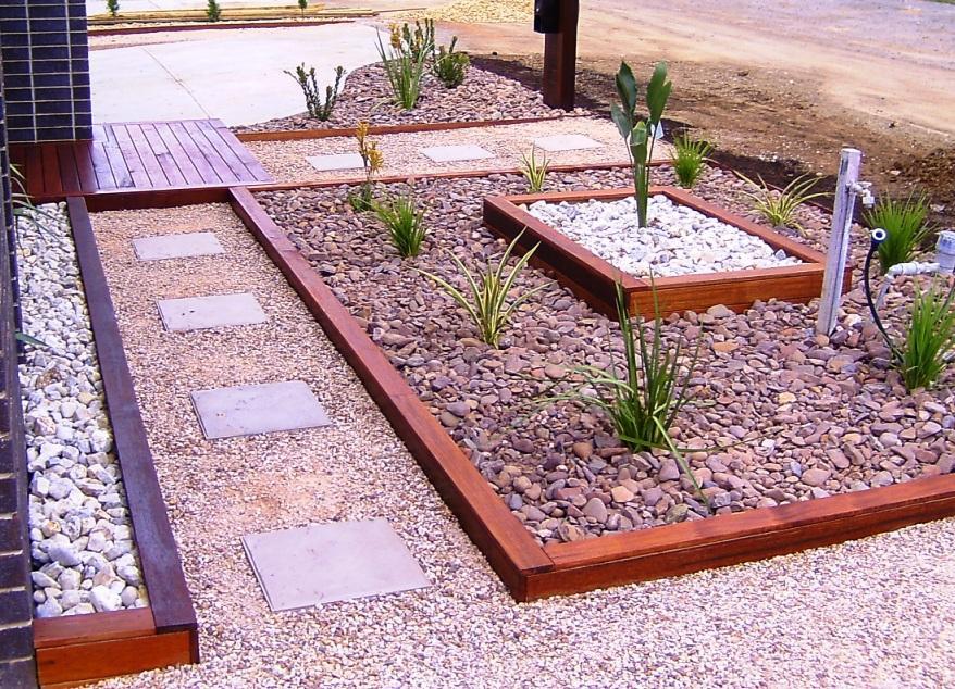 Style ideas gardens paving tiling and garden edging for Small backyard garden ideas australia