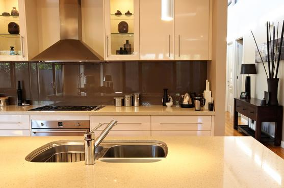 kitchen design ideas by splash glass mirrors pty ltd - Kitchen Design Idea