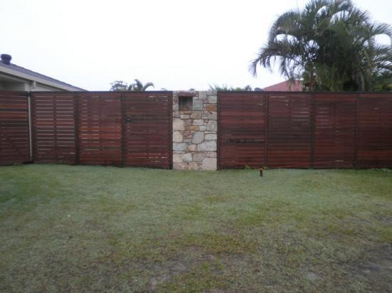 Get inspired by photos of fences from australian designers for Landscape construction adelaide