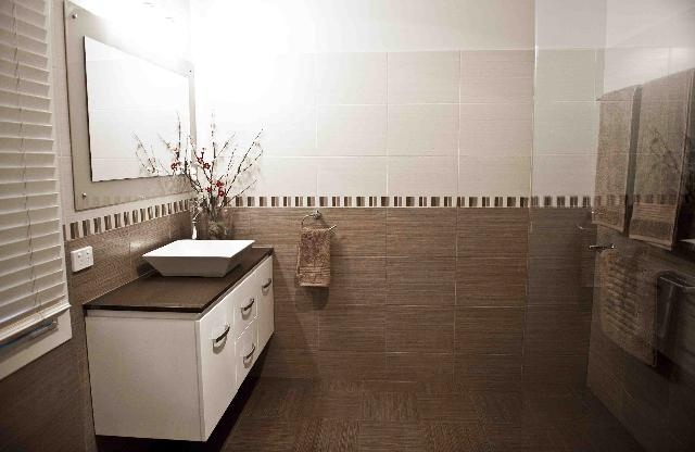Get inspired by photos of bathrooms from australian for Bathroom ideas brisbane