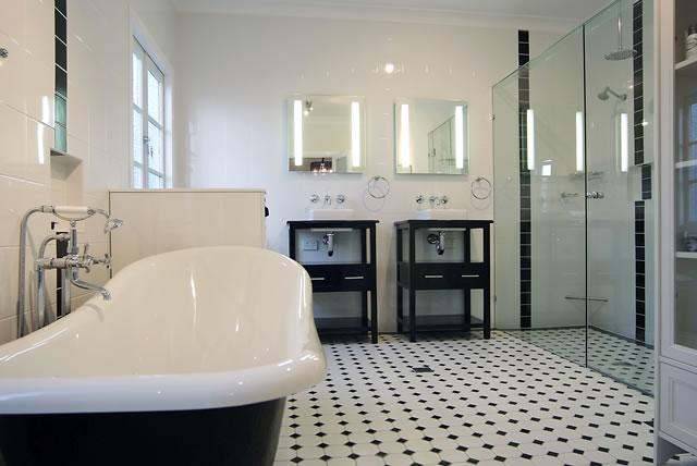 bathrooms inspiration brisbane bathroom renovations pty ltd australia hipagescomau - Salle De Bain Ancienne Retro