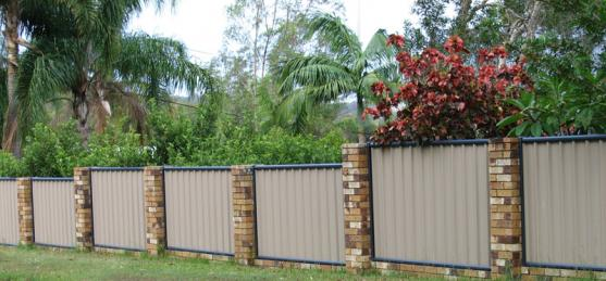 How To Choose The Right Garden Fencing