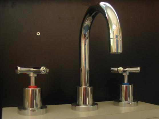 Get inspired by photos of bathroom taps from australian for Bathroom taps adelaide