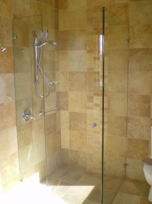 Frameless Shower Screen Designs by Glasscapes