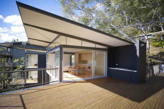 House Exterior Design by Architect Prineas