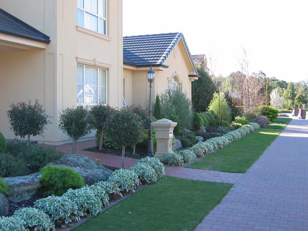 Front yard gardens recent jobs blackwood maxi - Front garden ideas western australia ...