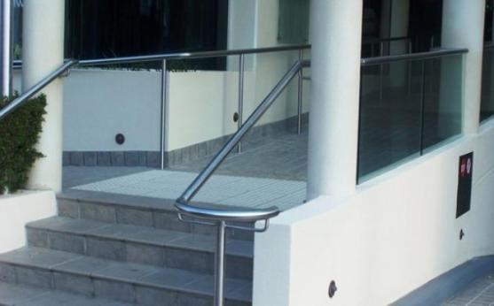 Custom design balustrades, handrails