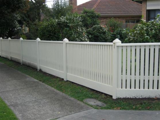 Picket fencing design ideas get inspired by photos of for Front garden fence designs