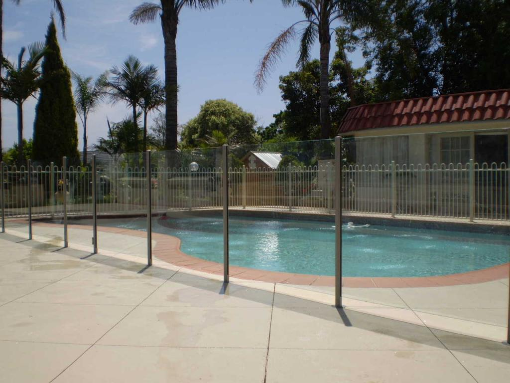 Melbourne Glass Pool Fencing Melbourne 12