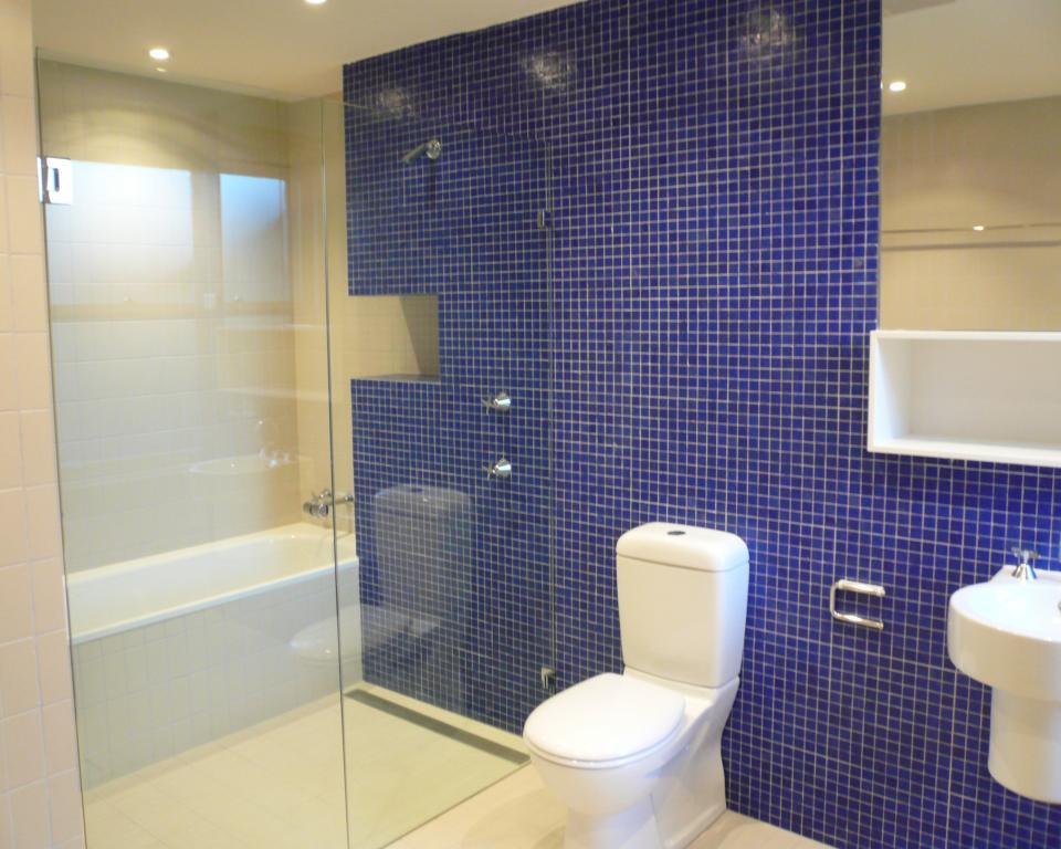 Bathroom Tile Design Ideas by Climbmax Construction