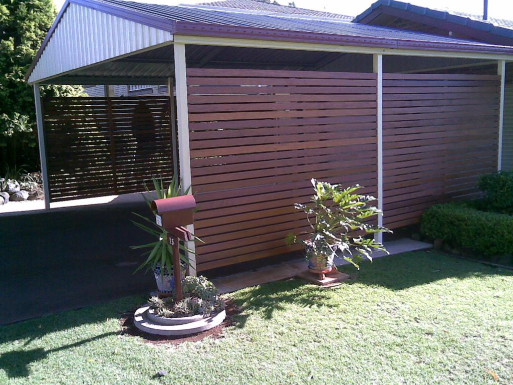 privacy screens   galleries   unique timber fencing