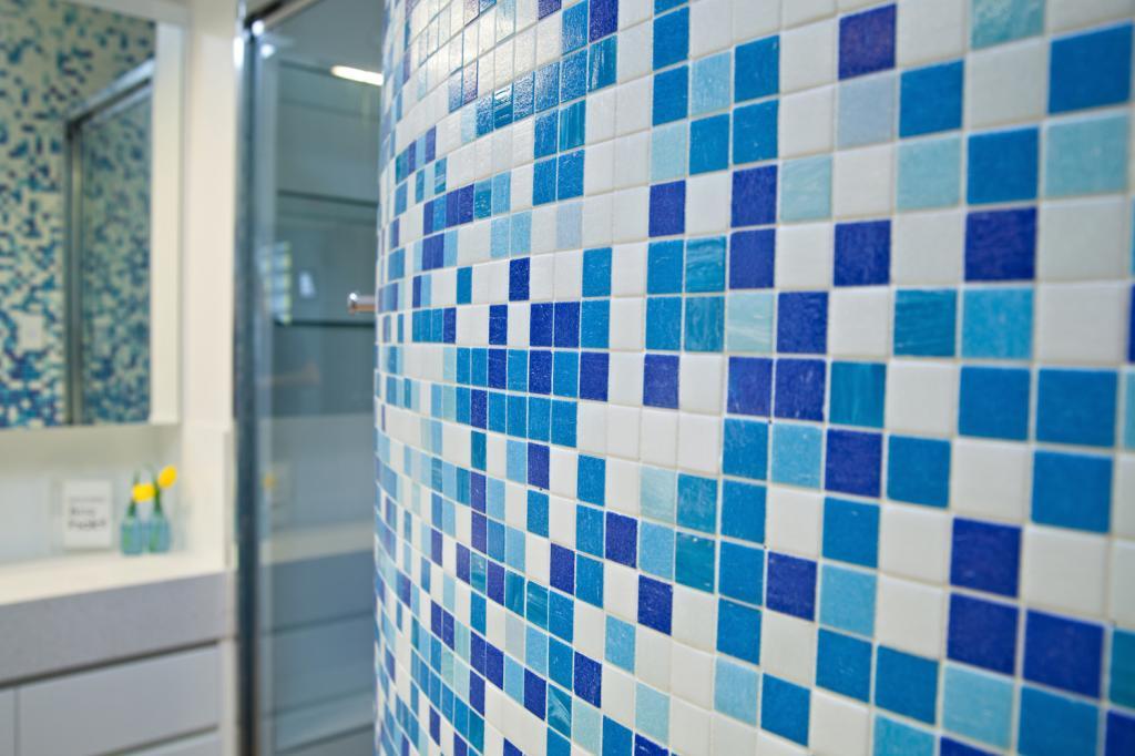 Bathroom Tile Design Ideas by BOLD Interiors
