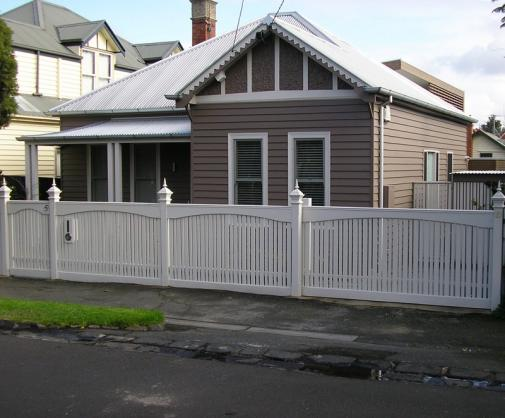 House Exterior Design by Fry Built