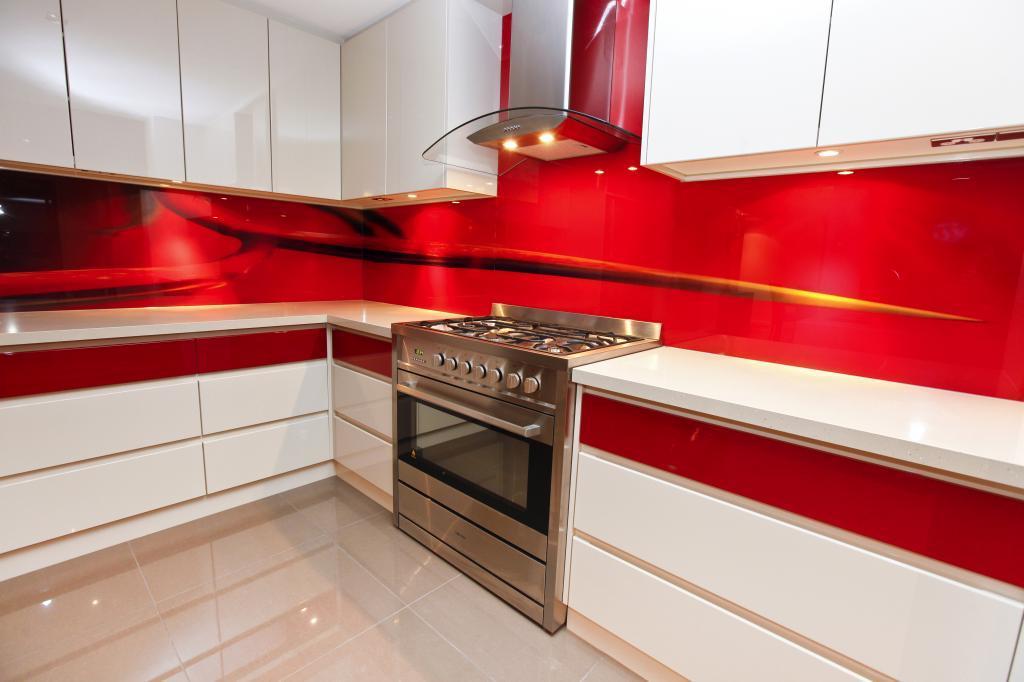 Select kitchens melbourne metropolitan phil watson 1 for Interior design kitchen splashbacks