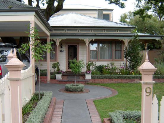 House Exterior Design by SD Davies Builders Pty Ltd