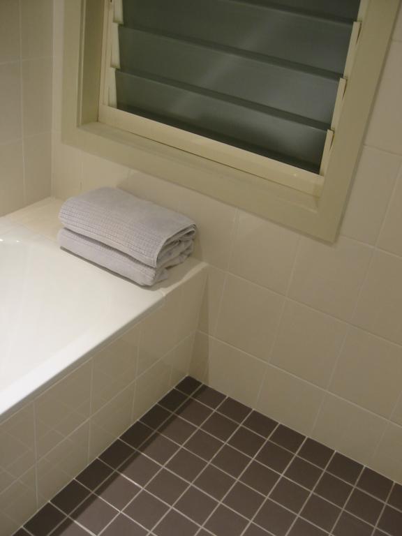 Bathroom Tile Design Ideas by Sydney Design Group Pty Ltd