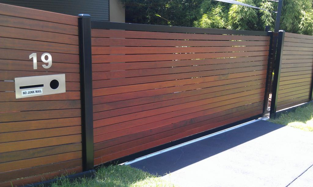 Gates inspiration bettaline fencing australia for Wooden front gates for homes