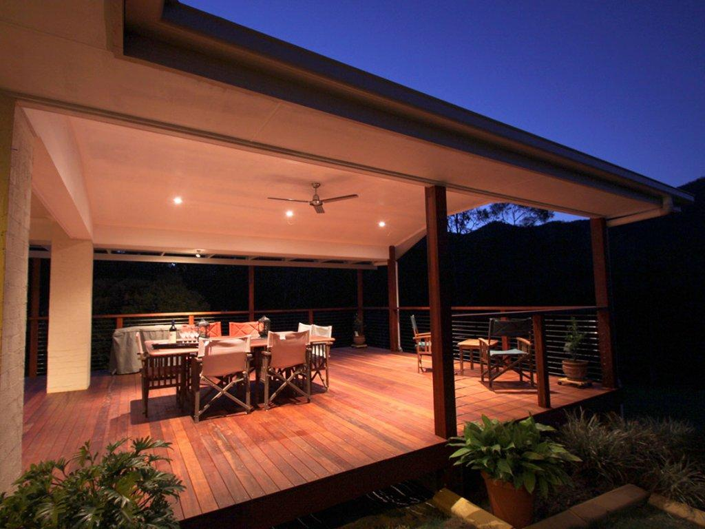 Top 2015 Indoor Outdoor Trends