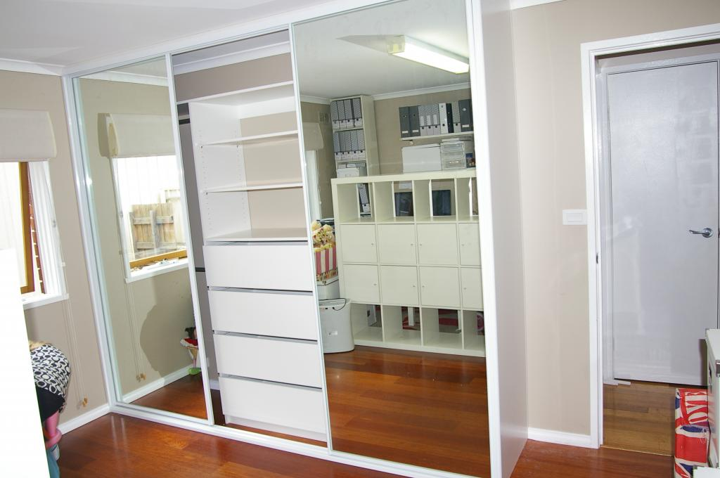 malaysia built in renovation wardrobe