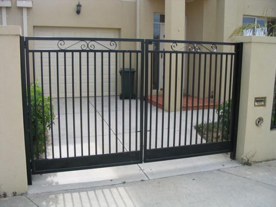driveway gate designs by hoppers gates - Gate Design Ideas