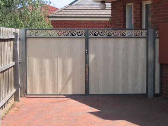 Gate design ideas get inspired by photos of gates from for Home gate design