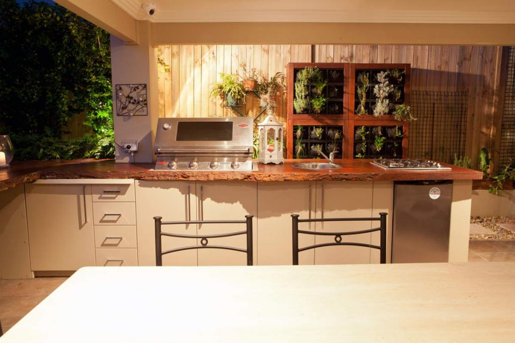 Outdoor kitchens inspiration cool water landscapes pty ltd australia Kitchen garden design australia