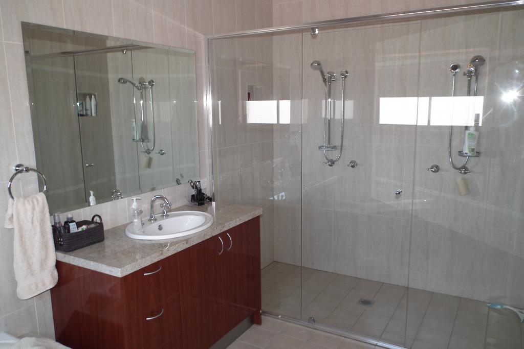 Bathrooms inspiration starr interior design australia for Interior design inspiration australia