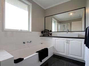 Bathrooms melbourne sydney wide vanessa thomas nu pride bathrooms 5 reviews hipages Small bathroom design melbourne