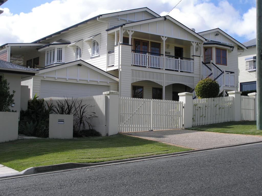 Architectural design brisbane ashgrove pullenvale Queenslander home interior design