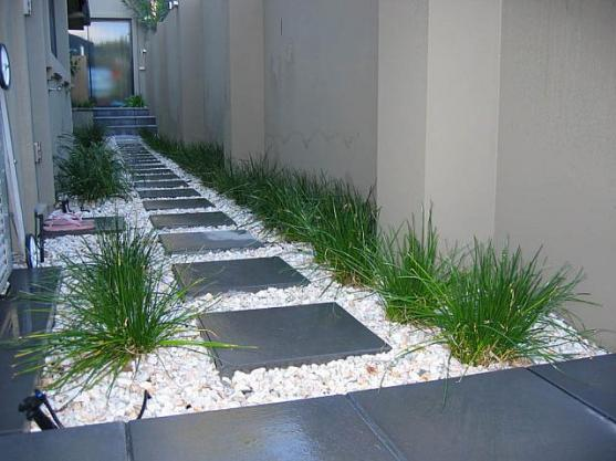 Garden path design ideas get inspired by photos of for Garden bed ideas for front of house australia