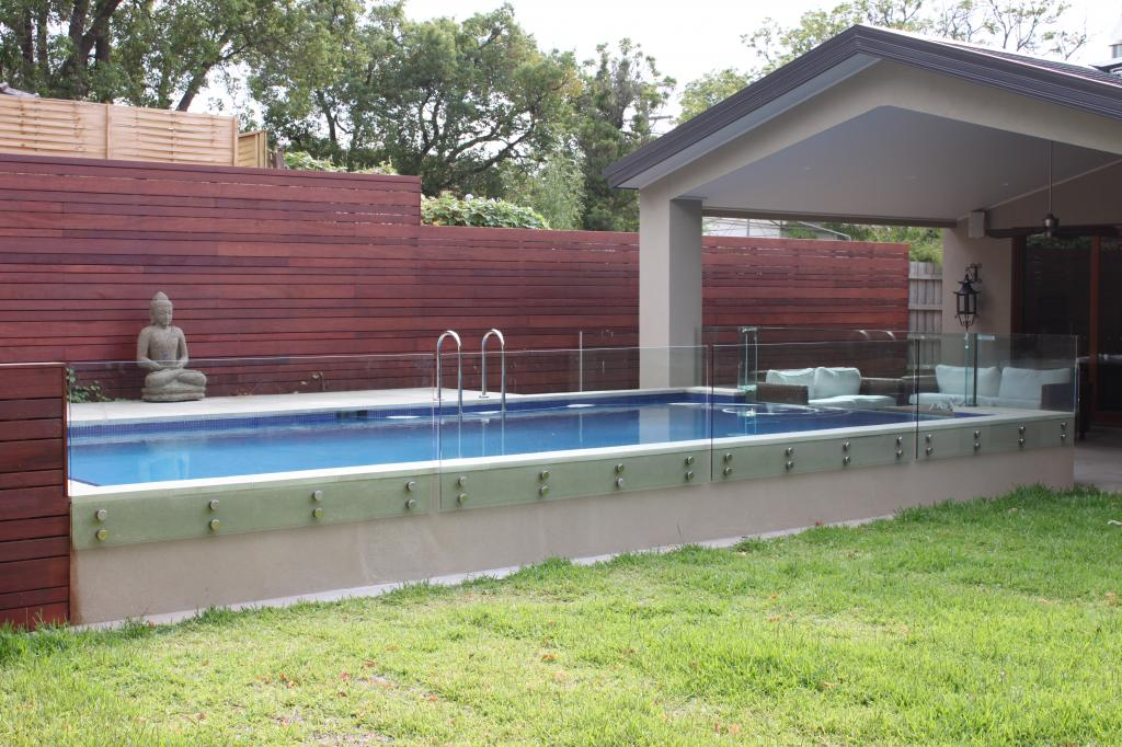 Pool fencing galleries impressive glass splashbacks for Pool showrooms sydney