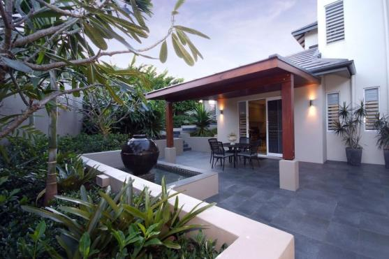 Patio Ideas by Julianne McAlloon Architects