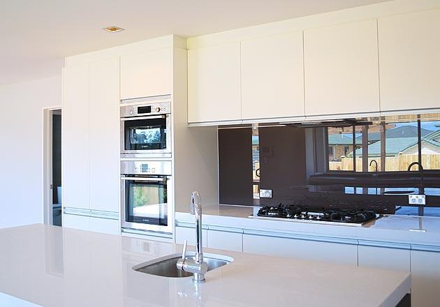 Kitchens inspiration eurotrend design australia for Eurotrend bathrooms