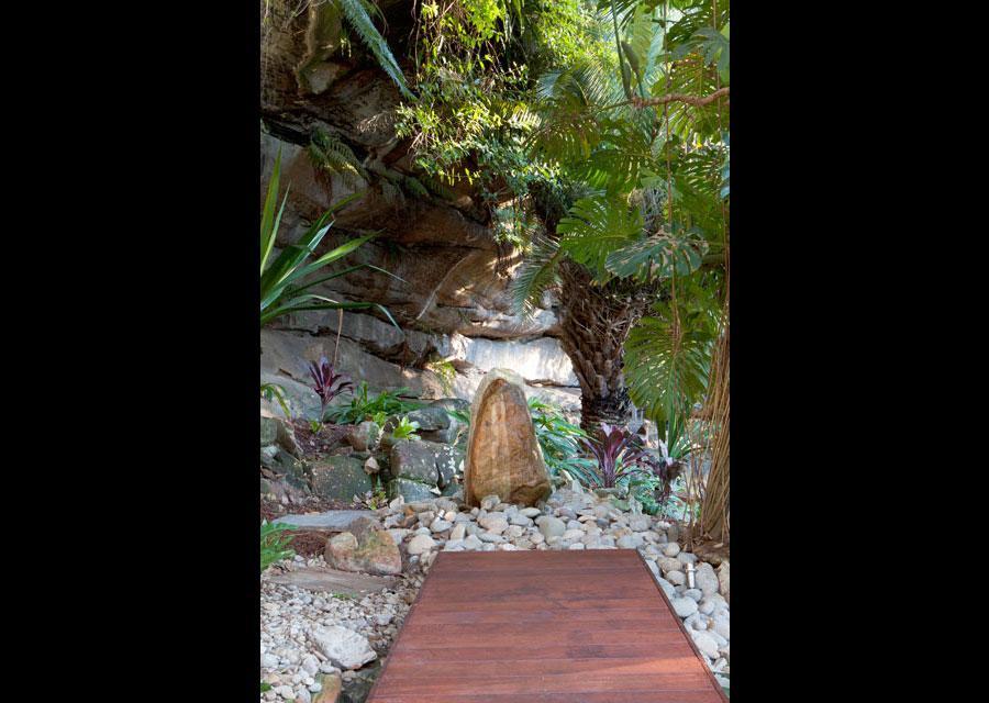 Garden art inspiration cool water landscapes pty ltd for Artworks landscape ltd