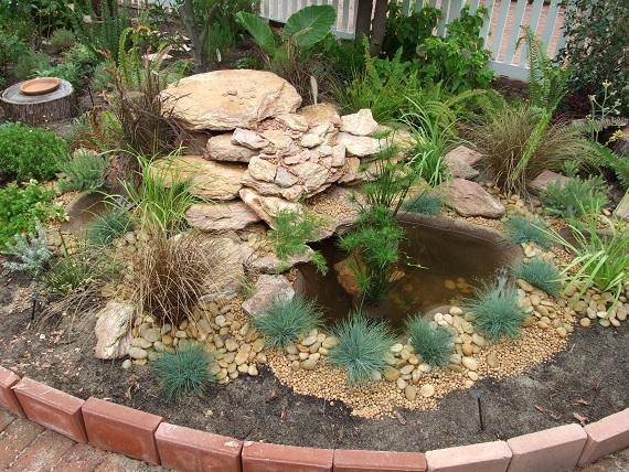 Water features inspiration garden picket australia for Garden features australia