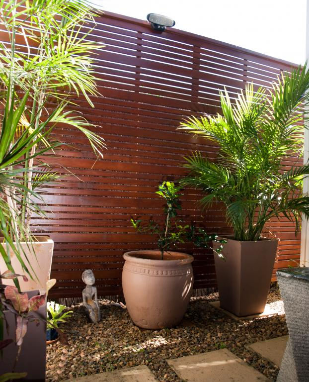 How much does fencing cost per metre for Outdoor furniture kawana