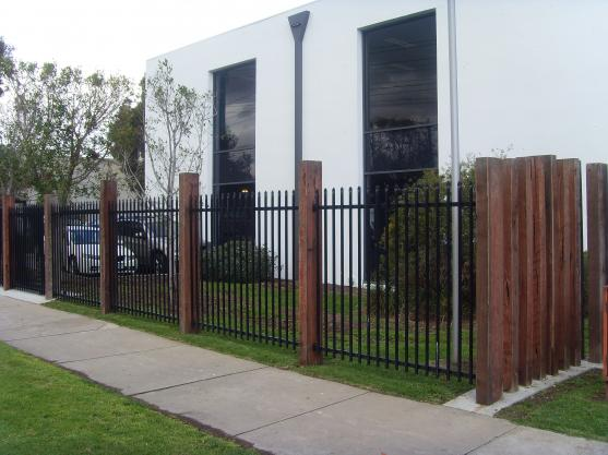Pictures on Front Fence Design, - Free Home Designs Photos Ideas