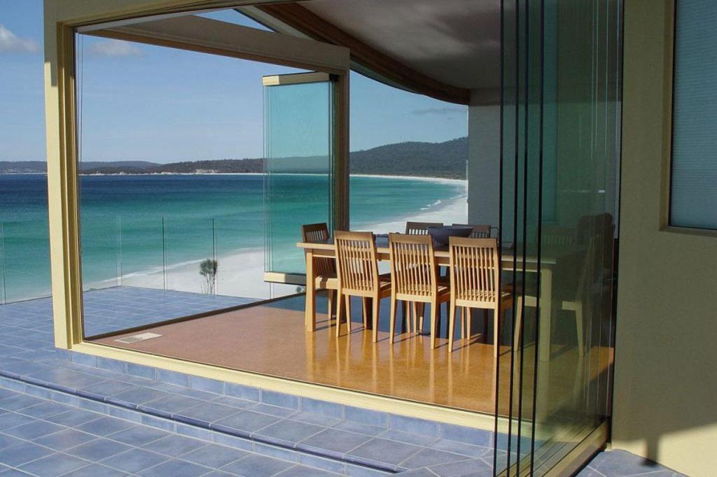 glass folding walls