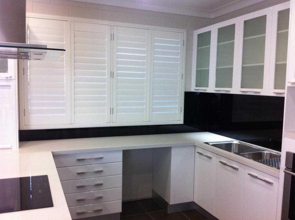 Aesthetic Glass Servicing Townsville And Surrounding