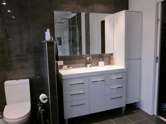 Get inspired by photos of bathrooms from australian for Adams cabinets perth