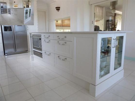 Kitchen Handles Design Ideas by Lovely Kitchens